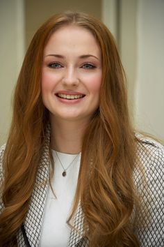 'Game of Thrones' actress Sophie Turner Full HD Images & Wallpapers - Filmography - HD Photos
