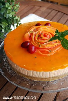 Tropical papaya & passion fruit cheesecake Passionfruit Cheesecake, Angel Food Cake, Pound Cake, Cheesecakes, Camembert Cheese, Pudding, Desserts, Recipes, Tropical