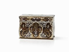 early 19th c. Boulle Marquetry lockable Tea Caddy with two concealed Draws to bottom front & side... France