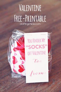 """You Knock My """"SOCKS"""" Off Valentine *Free Printable I found these adorable Valentine Socks at the dollar store.I've seen similar ones at Target's dollar section. I had to make a cute valentine printable to go along. This is a fun """"no candy"""" valentine Kinder Valentines, Valentine Day Love, Valentines Day Party, Valentine Day Crafts, Homemade Valentines, Saint Valentine, Valentine Wreath, Holiday Crafts, Valentinstag Party"""