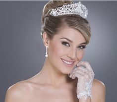 Coroa para noivas com cristais transparentes