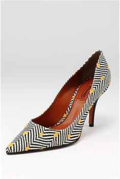 #stiletto #print #geometric #colors #tribal #African #lovable #stialgo #pumps #shoes #incaltaminte #pantofi #sandale #shoemania #stiletto #mocasini #balerini #flats #print #imprimeu #fashion #trends #tendinte #pantofi #reduceri #preturimici #gottahavethem #lovethem #love #wear #fashion #moda #style #stil #outfit