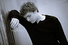 senior pictures ideas for guys | ... and White Senior Pictures | Issaquah High School Senior Boy Connor