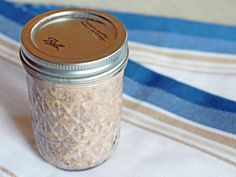 Maple Brown Sugar Overnight Oats Recipe (how-to video included!) | @haleydwilliams