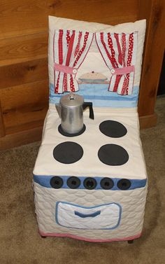 This slip-over cloth kitchen chair cover is ready to provider hours of fun for your little one. It is made from cotton and polyester quilted muslin and