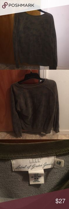 H&M Camouflage Sweatshirt! Worn multiple times but washed since previous wear and fits like a small but its a medium H&M Shirts Sweatshirts & Hoodies