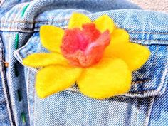 No sewing, no glue, forgotten profession autor galerytouchofrainbow Hand Flowers, Daffodils, Girl Gifts, Spring Flowers, Felt, Sewing, Handmade, Etsy, Free Delivery