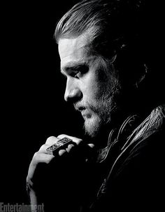 Jax teller sons of anarchy Sons Of Anarchy Book, Charlie Sons Of Anarchy, Sons Of Anarchy Samcro, Actors Funny, Hot Actors, Sons Of Anarchy Tattoos, Jackson Teller, Victor Creed, Sons Of Anarchy Motorcycles