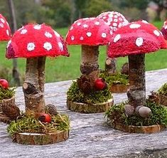 Autumn Crafts, Nature Crafts, Christmas Crafts, Christmas Ornaments, Mushroom Crafts, Felt Mushroom, Diy And Crafts, Crafts For Kids, Garden Crafts