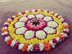 Pookalam.... Mehndi Designs Book, Rangoli Designs Flower, Rangoli Border Designs, Rangoli Patterns, Colorful Rangoli Designs, Rangoli Ideas, Rangoli Designs Diwali, Rangoli Designs Images, Flower Rangoli