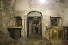 The Prison of Christ, where he was held before his death / Ian and Wendy Sewell, Wikipedia,