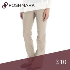 Juniors Unionbay Khaki Pants Slight flare, great condition! 96% cotton 4% spandex                                                                       Offers and questions always welcome! 😊💎🛍👖👗👛👟🎀 UNIONBAY Pants Boot Cut & Flare