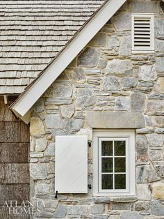 Inside a traditional mountain retreat with a bold twist! When Ross and Sally Singletary wanted to build a new home in the Blue Ridge Mountains of North Carolina, they turned to Atlanta architect D. Stone Exterior Houses, Stone Houses, Exterior Paint, Exterior Colors, Exterior Design, Stone House Exteriors, Building Exterior, Blue Ridge Mountains, Reforma Exterior