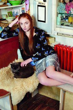 Game Of Thrones Star Sophie Turner Talks Sansa Stark, Fashion And Season 5 Sophie Turner, Instyle Magazine, Sansa Stark, Maisie Williams, Actress Photos, Celebrity Pictures, Celebrity News, Beautiful Actresses, Beautiful Celebrities
