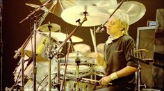 Queen (Roger Taylor) I'm In Love With My Car Live In Montreal 1981 HD #HappyBirthDayRogerTaylor