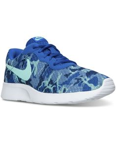 NIKE Printed mesh Roshe Run trainers ( 105) ❤ liked on Polyvore featuring  shoes eceaa031d