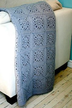 Crochet pattern by @Genievre Dugon--in French--Google Translate does a fair job; only the basics of the square are provided, but this is very beautiful.