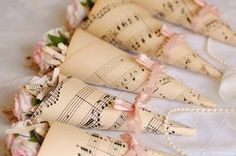 Bodas con detalle - Blog de bodas con ideas para una boda original: DIY: Conos de papel para el arroz o los pétalos de tu boda.