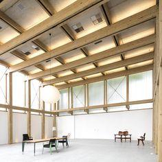 Image 38 of 56 from gallery of micasa vol.C / Studio - Marcio Kogan + Marcio Tanaka. Photograph by Studio Studio Mk27, Timber Structure, Exposed Concrete, Building Furniture, Glass Facades, Ground Floor Plan, Timber Wood, Brutalist, Retail Design