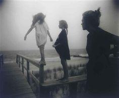 Cette photographie de Sally Mann me fait penser à l'univers de Yumington.