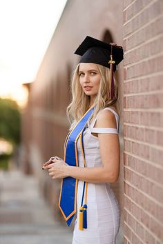 Professional Graduation Portraits for University of Texas, Texas State, Concordia and more. Nursing Graduation Pictures, College Graduation Pictures, Graduation Picture Poses, Graduation Portraits, Graduation Photoshoot, Graduation Photography, Grad Pics, Senior Portraits, Senior Photos Girls