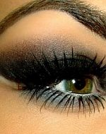 Smokey! lov the color tone the bottom liner is diff<3