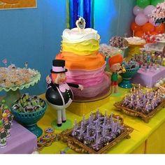 Festa linda... O bolo maravilhoso e minhas peças fazendo essa belíssima composição. Amei.