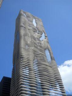Aqua, el edificio más alto construido por una mujer - Un Día Más Culto