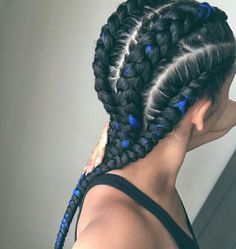 Fully love these chunky cornrows. Perfect colour infusion #chunky braids #ghana braids #blue extensions