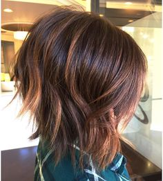 Jagged Layers and Copper Streaks - 70 Fabulous Choppy Bob Hairstyles – Best Textured Bob Ideas - The Trending Hairstyle - Page 16 Textured Bob Hairstyles, Choppy Bob Hairstyles, Easy Hairstyles For Medium Hair, Medium Hair Styles, Curly Hair Styles, Hair Medium, Layered Haircuts, Medium Curly, Growing Your Hair Out