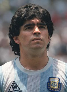 Portrait of Argentinian midfielder Diego Maradona taken 29 June 1986 in Mexico City before the start of the World Cup final between Argentina and. Legends Football, Football Icon, Best Football Players, World Football, Soccer Players, Football Design, Sport Volleyball, Sport Basketball, Football Soccer