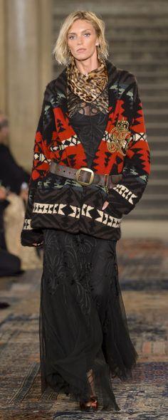 Ralph Lauren Fall-winter – Ready-to-Wear – www.c… – ©Im… Ralph Lauren Fall-winter – Ready-to-Wear – www.c… – ©ImaxTree Fashion 2018, Fashion Week, Runway Fashion, Trendy Fashion, Fashion Dresses, Womens Fashion, Trendy Dresses, Fashion Trends, Fashion Clothes