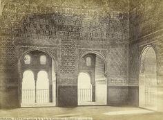 Vista interior de la Sala de Embajadores. Una visión inédita de la Alhambra por Jean Laurent y Fernando Manso. Fotografía © Jean Laurent. Cortesía Museo Arqueológico Nacional. Señala encima de la imagen para verla más grande.