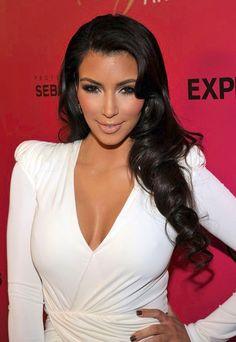 Kims hår va jättefint på denna bilden.