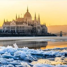 Golden hour on the Margit island and the icy Danube Capital Of Hungary, Sun Goes Down, Hungary Travel, Most Beautiful Cities, Budapest Hungary, Adventure Is Out There, Capital City, Taj Mahal, Beautiful Pictures