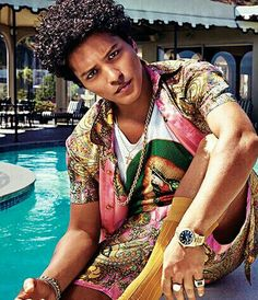 Bruno is looking so HOT and SEXY