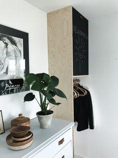DIY elmåler-skjuler med garderobefunktion