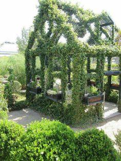 Ivy garden house via Paris Style Antiques on Facebook