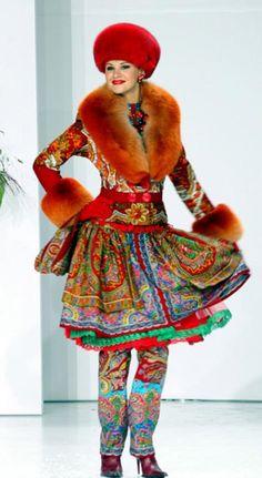 Russian fashion. Coco Chanel Fashion, Fur Fashion, High Fashion, Autumn Fashion, Color Me Beautiful, Most Beautiful Women, Mode Russe, Russia Winter, Vintage Trends