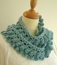 Swishy scarf. Must sign up for Ravelry to see the page.