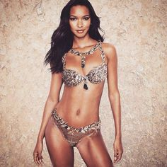 "Stop what you're doing! Angel Lais Ribeiro will be wearing the Fantasy Bra for the 2017 Victoria's Secret Fashion Show in Shanghai. It was named ""Gilded Fantasy Bra"" worth 2 million. Congratulations Lais! ������ Alessandra Ambrosio http://misstagram.com/ipost/1638428996986659346/?code=Ba83n3zFuIS"