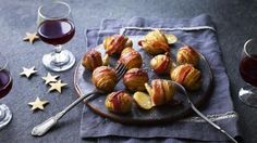 Hasselback potatoes with bacon, Puff pastry pizza bites and other recipes from Eat Well for Less at Christmas Bacon Recipes, Potato Recipes, Healthy Recipes, Christmas Cooking, Christmas Desserts, Christmas Recipes, Puff Pastry Pizza, Nibbles For Party