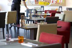 A l'intérieur du Victor Café à Marseille Conference Room, Restaurant, Design, Home Decor, Decoration Home, Room Decor, Meeting Rooms, Restaurants, Dining Room