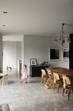 Modern Concrete Floors by Allie Weiss from This Kid-Friendly Home Is… Smooth Concrete, Polished Concrete, Finished Concrete Floors, Living Room Flooring, Living Room Furniture, Küchen Design, House Design, Concrete Interiors, Family Room Design