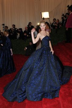 On the Red Carpet at the Costume Institute Gala: Leslie Bibb in Zac Posen.    Photo by KSW