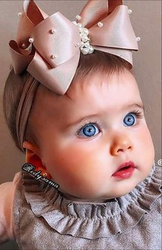 Baby Girl Images, Cute Baby Girl Pictures, Baby Photos, Very Cute Baby, Cute Little Baby, Baby Love, Cute Funny Babies, Cute Asian Babies, Funny Baby Photography