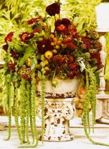 Flowers & fruit with dripping hanging amarthus.use a different container Fall Arrangements, Beautiful Flower Arrangements, Beautiful Flowers, Floral Centerpieces, Table Centerpieces, Flower Pots, My Flower, Fruit Of The Spirit, Fall Table