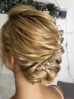 Hairstyle Trending Hairstyles 2019 Easy Hair Bun Hair Bun Can Be Styled For Work Prom Or The Gym From Chic And Romantic To Casual And Flirty Paired With The Prefect Headband Braidedhairstyles Flower Girl Hairstyles, Little Girl Hairstyles, Braided Hairstyles, Wedding Hairstyles, Hairstyles 2016, Peinado Updo, Hair Upstyles, Hair Color Balayage, Human Hair Extensions