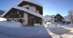Viel Schnee im Winter im Kleinwalsertal. Schneehöhen bis zu 150 cm - 180 cm im Tal sind keine Seltenheit