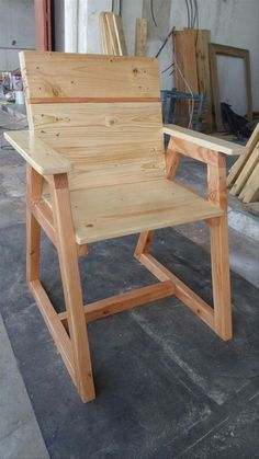 Among the other pallet chair ideas, this one is the most preferable. With the help of some pallets, you can make a very stylish pallet chair. It can be placed anywhere, your sitting room or your children room. Your baby can easily sit on this chair as it is secured from both sides.